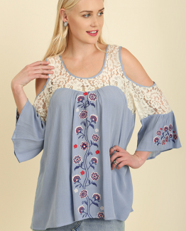Umgee blue embroidered top with lace